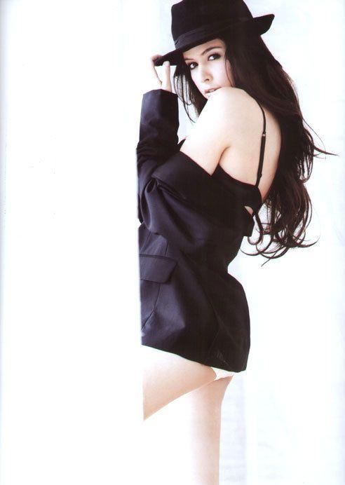 sririta-jensen-16