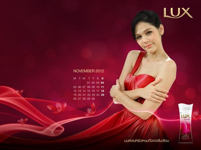lux_2012_calendar_chom-13