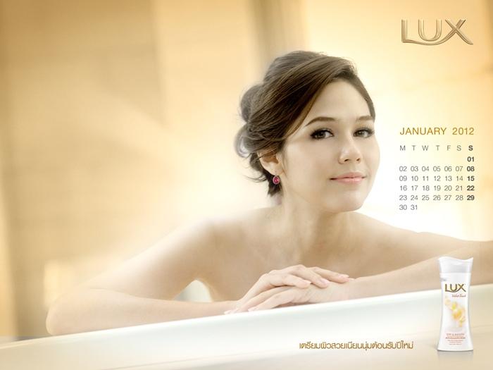 lux_2012_calendar_chom-3