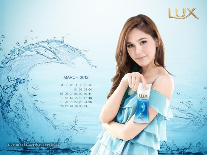 lux_2012_calendar_chom-5