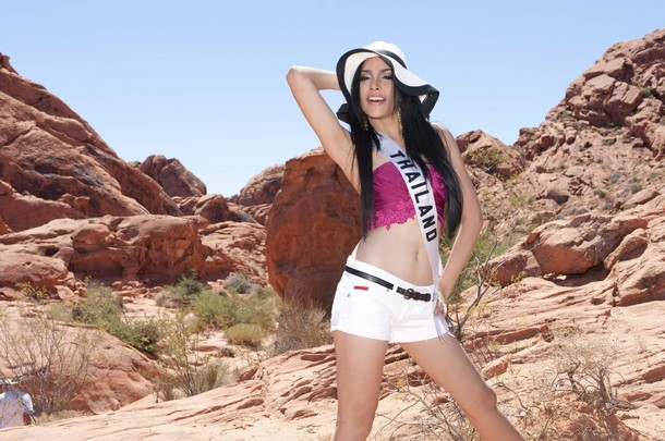 Miss Thailand 2010 Fonthip Watcharatrakul poses at Valley of Fire State Park, Nevada