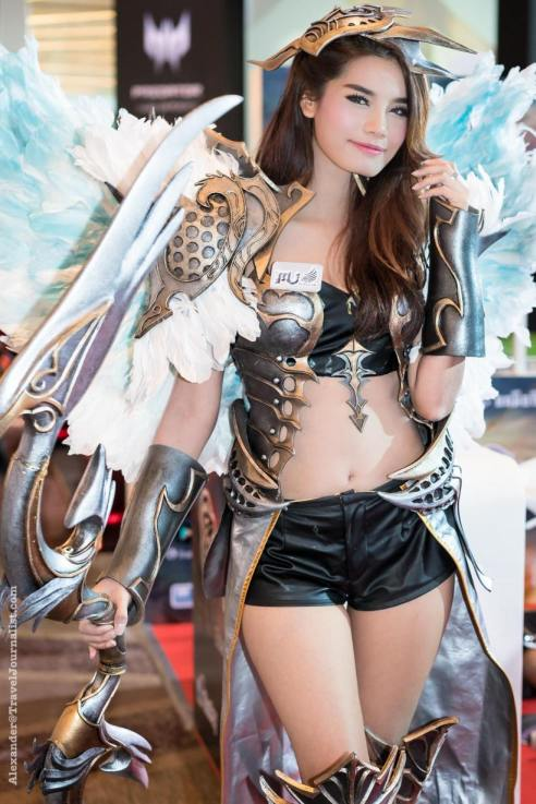 Beautiful-Thai-Girl-Mobile-Game-Show-Bangkok-2015-4