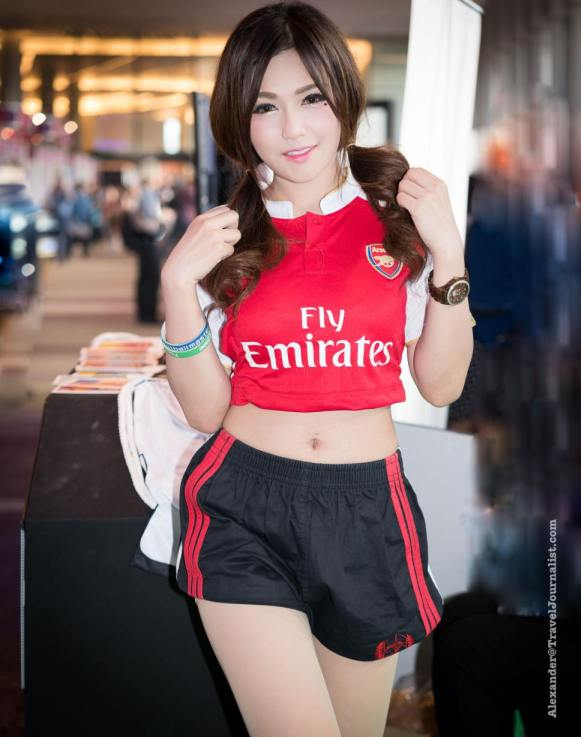 Beautiful-Thai-Girl-Mobile-Game-Show-Bangkok-2015-6