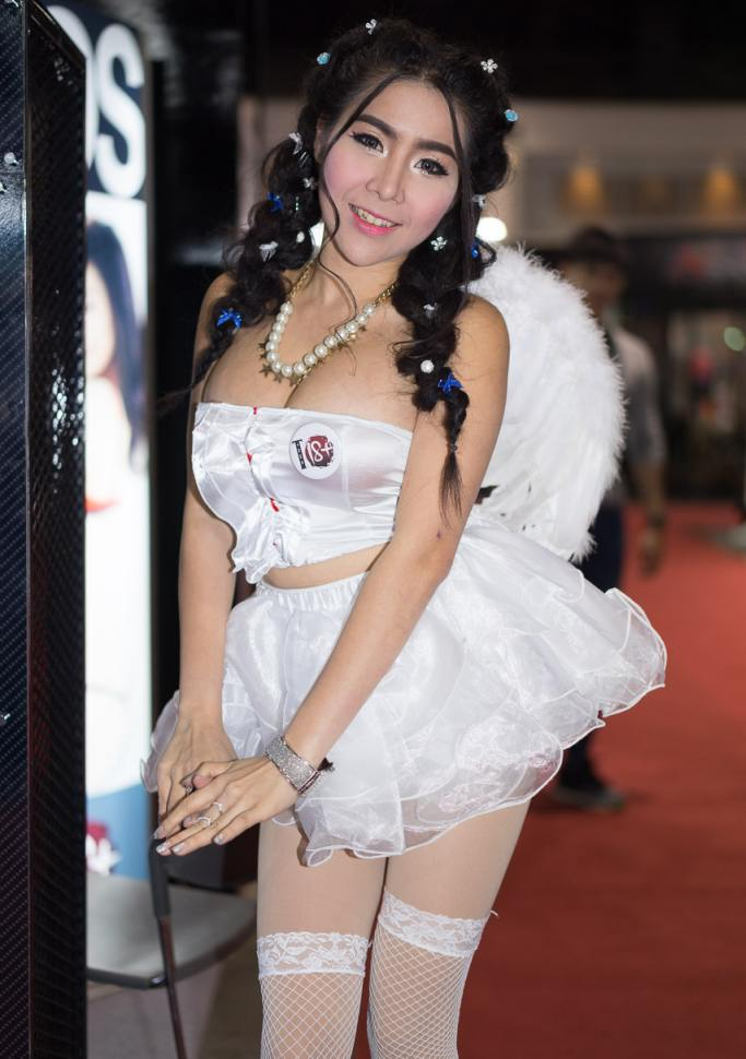 Pretty-Thai-Girls-Bangkok-Car-Show-Auto-Thailand-2015-14