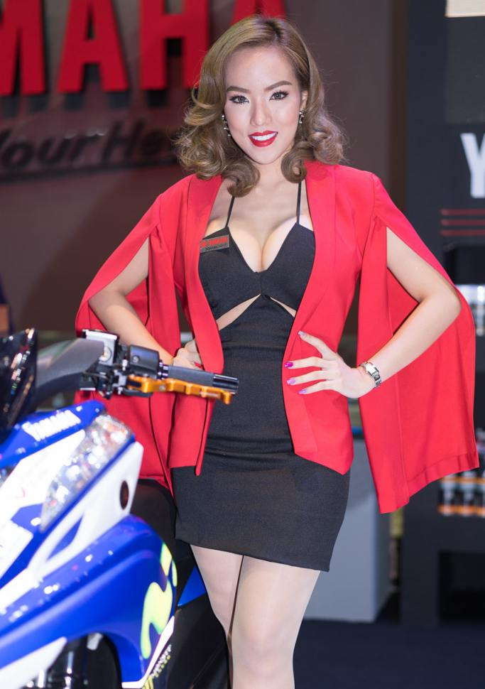 Pretty-Thai-Girls-Bangkok-Car-Show-Auto-Thailand-2015-16