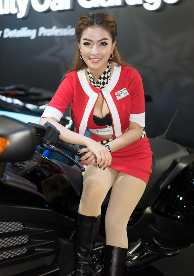 Pretty-Thai-Girls-Bangkok-Car-Show-Auto-Thailand-2015-18