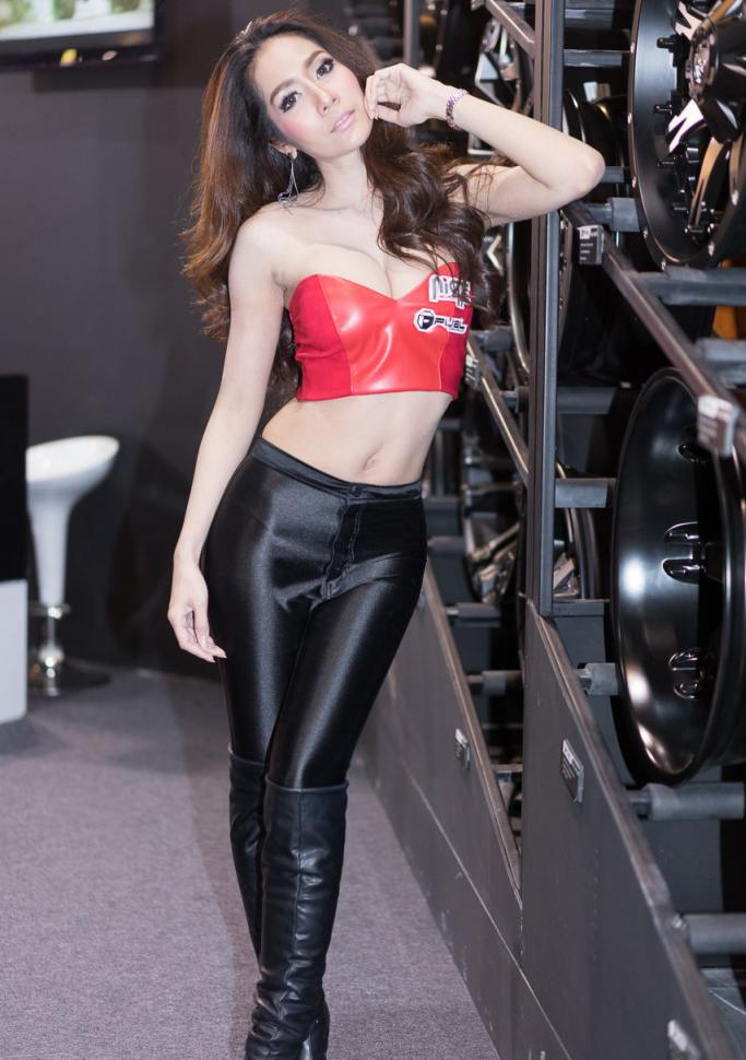 Pretty-Thai-Girls-Bangkok-Car-Show-Auto-Thailand-2015-20