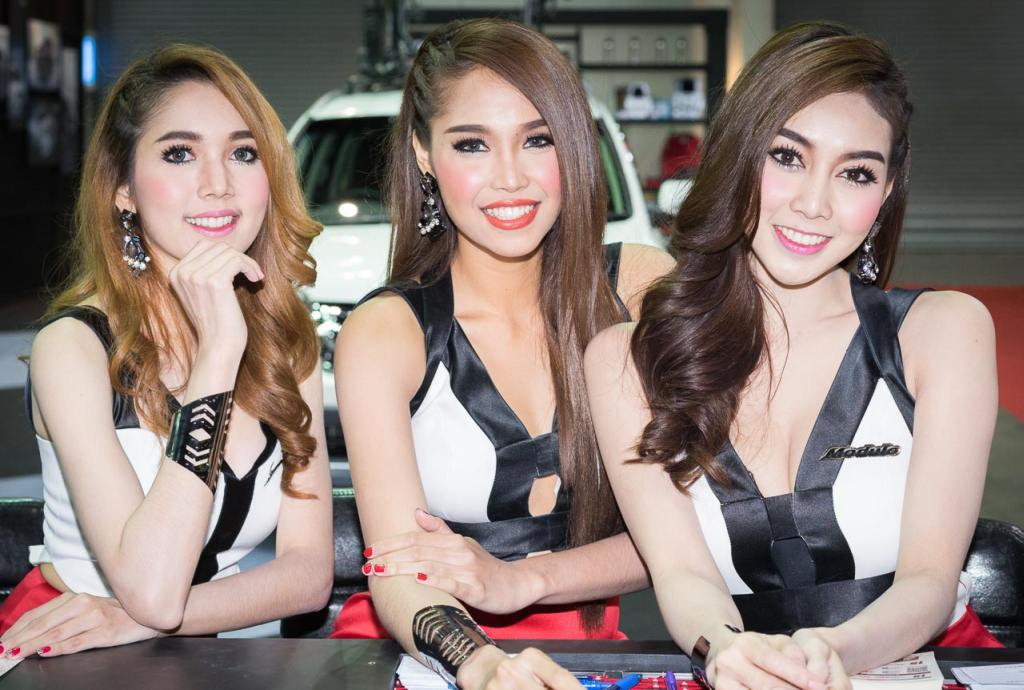 Pretty-Thai-Girls-Bangkok-Car-Show-Auto-Thailand-2015-24