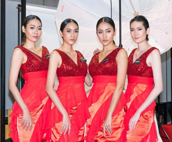 Beautiful-Thai-Asian-Girls-Models-Bangkok-Photo-Fair-2015-9