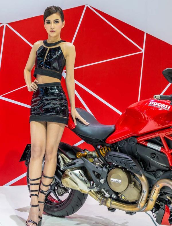 Models-Bangkok-Motor-Show-2014-IMPACT-Thailand-7