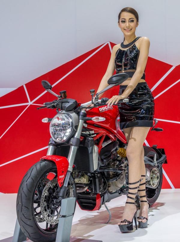 Models-Bangkok-Motor-Show-2014-IMPACT-Thailand-9
