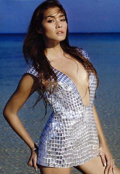 Cream Thichacha - thai singer - Thai Sirens